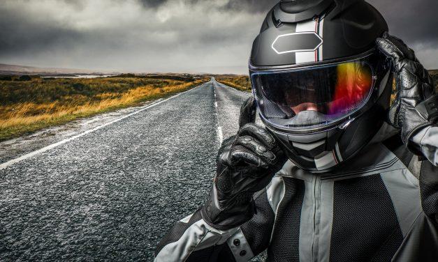 Casque moto homologué : voici les normes essentielles !