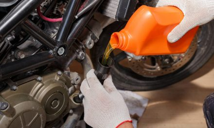 Faire sa vidange – remplacement de l'huile et du filtre à huile.