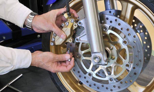 Plaquettes de frein moto : Les remplacer facilement