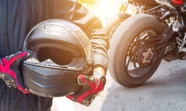 Où doit-on coller son assurance moto ?